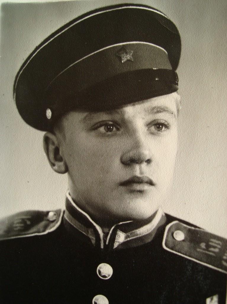 Е.Попов